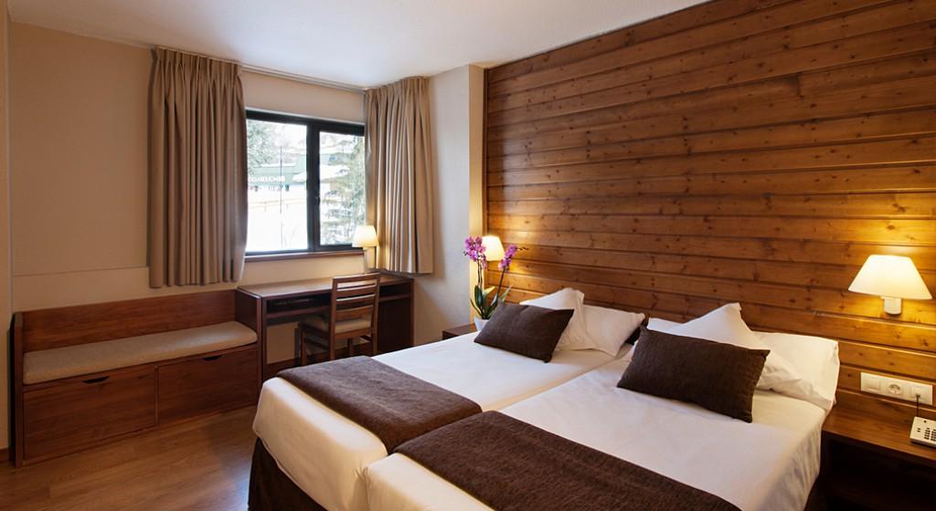 Hotel TucBlanc Baqueira 1500. Habitacions amb vistes a la vall o a pistes