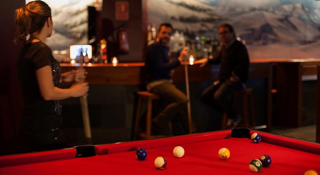 Pub discoteca abierto para clientes y público en general