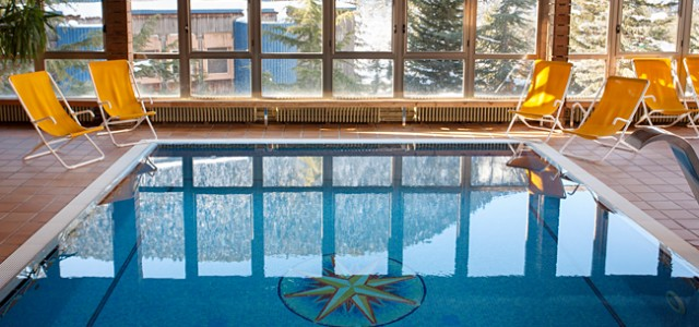 Hotel TucBlanc. Piscina Climatizada con vistas