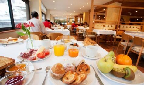 Esmorzar buffet Hotel Tuc Blanc Baqueira