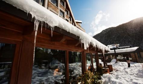Hotel Tucblanc. Cafetería con terraza panorámica